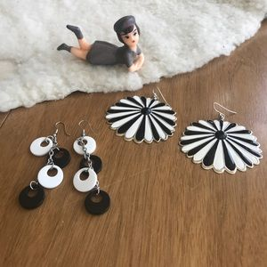 💎 Lot of 2 Black & White Earrings